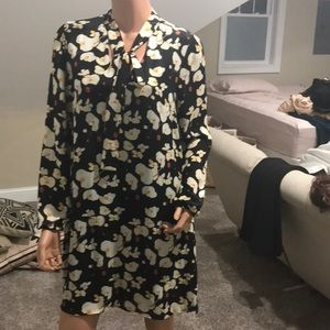 Flower patterned A line dress with neck tie